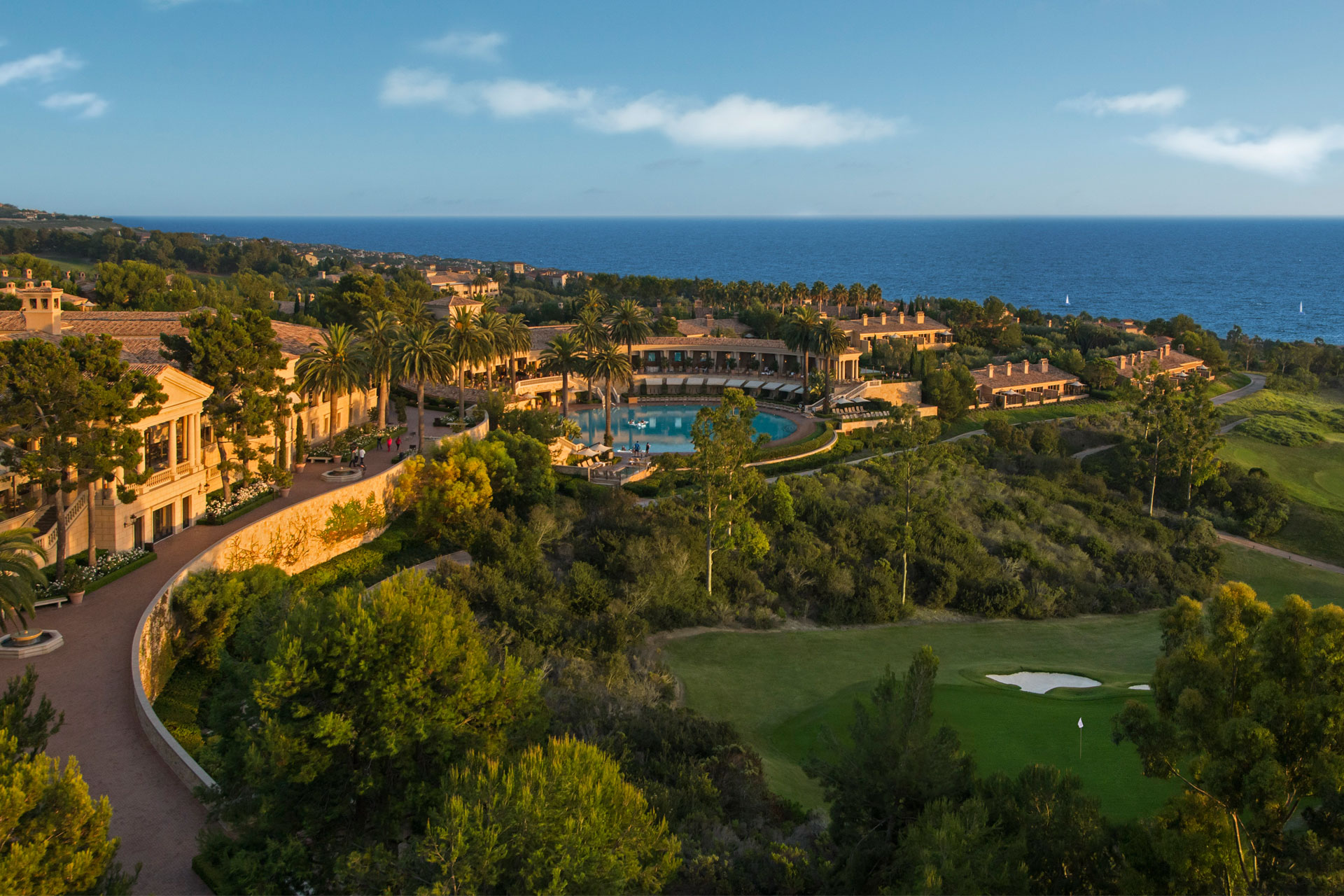 Pelican Hill Resort overlooking the Pacific Ocean